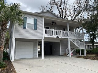 6 Bedroom North Myrtle House, walking distance to the beach