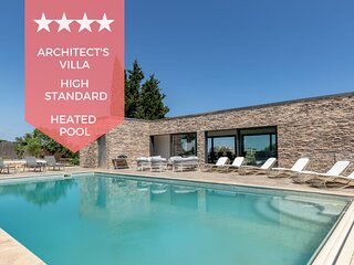 ❤️LOVE AT FIRST SIGHT ❤️ - Custom villa with heated swimming pool.