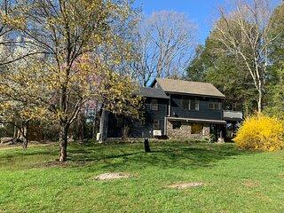 Blue Stone Creek Side Cottage