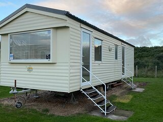 Lovely 4 berth caravan for hire at Sunnydale Holiday Park ref 35225S