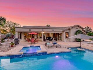 Oasis in The Desert! 5 Bedrooms, 3 baths, Heated Resort Pool and Spa! Separate C
