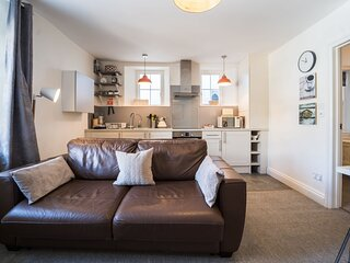 Apartment 22 Trinity Mews - One bed first floor apartment in charming coaching m