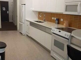 Great Value 1 Bedroom Apartment! Fast Wifi!