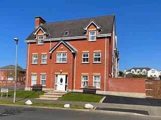 The Grange, Portrush (Sleeps 13) 8 Beds - Luxury Portrush Holiday Homes