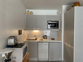 Appartement 1 chambre avec acces direct a la plage avec garage prive