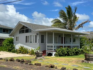 Oceanfront Rhythm: 2 Bed/1 Bath Cottage at the Beach! TVNC # 4288