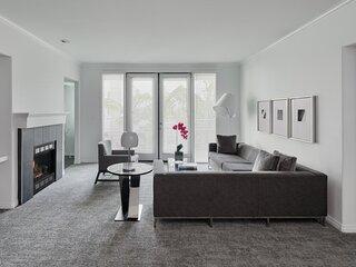 5* Two Bed Deluxe apartment Wilshire Boulevard LA