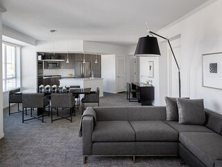 2 bed premium suite with 2.5 baths full kitchen and Den/Office or 3rd bedroom