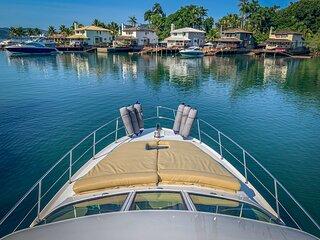 Lindo Barco 40 pes em Angra