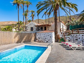 Holiday cottage with private pool in Santa Lucía