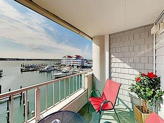 Marlin Marina-View Getaway | Balcony & Pool | Walk to Pier & Jolly Roger