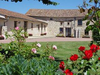 Anjou - Charming Barn in Doué-en-Anjou, France