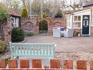 WESLEY COTTAGE, pet-friendly, WiFi, in Brandesburton, Ref 922628