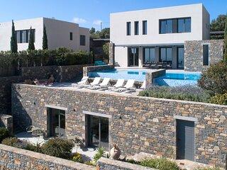 Villa Sendal - Exclusive Luxury in a Modern Villa with Stunning Views