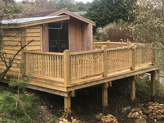 Luxury Timber Lodge with treetop decking