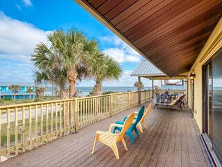 Watch the SUNRISE and SUNSET - House w/Spectacular Ocean Views from Living area,