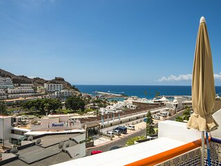 Puerto Rico with balcony and sea view by Lightbooking