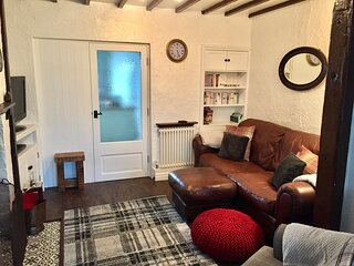 Bishop's Cottage Woodhouses; A Charming & Cosy Countryside Retreat.