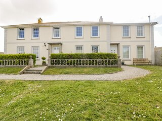 TREMANNERS, first floor apartment, private garden with BBQ, WiFi, in St.Agnes