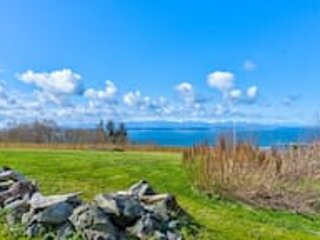 * Marbella Lane - Waterfront 2BR Whidbey Island, vacation rental in Greenbank
