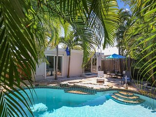 FLAGLER'S OASIS Private Home, Lagoon Pool, Pet Friendly, Outdoor Living Space