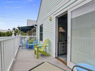 A SIESTA BAY Truman Annex Paradise, Shared Pool, Walk to Beach + Duval Street