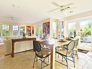 ARTIST GARDEN Private Home, Patio + BBQ, Shared Pool, Family Fun, Quiet Lane