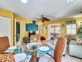 DUVAL SEA TURTLE Desired Rooftop Location, Shared Pool, Overlooks Duval St.