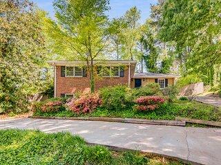 Beautiful Atlanta House 5BR sleeps 14
