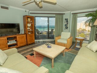 IR 510 is a open floor plan 2 BR with great gulf views and free beach set up