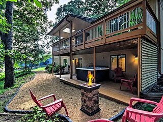 Exceptional Vacation Home with Hot Tub, 13 Miles to Downtown Asheville