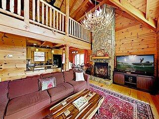 Lure Me Inn | Spacious Cabin with Hot Tub, Firepit, Lake & Mountain Views