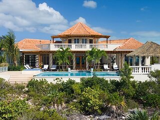 Incredible, Oceanfront Villa with magnificent infinity pool, and hot tub!
