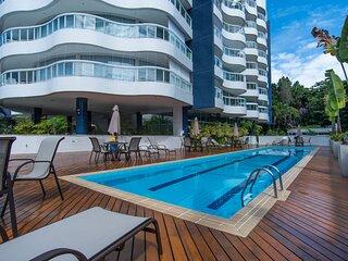 Apto com piscina aquecida e Wi-Fi em Riviera