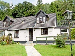 Riverside Cottage - B6859