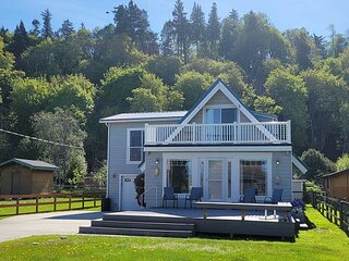 Our Mermaid Cottage by the Sea -3 bed, 3 bath (283)