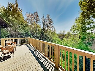 Stylish Wooded Retreat | Updated with 2 Livings Areas, 2 Decks & Fire Pit