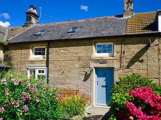 Anchor Cottage by the sea, Cresswell