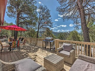 NEW! Charming Ruidoso House w/ Deck & Mtn Views!