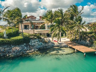 Unique Oceanfront Villa Oceania in Cap Cana Resort