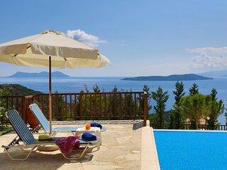 Villa Auriga - Spacious Villa with Magnificent Sea View