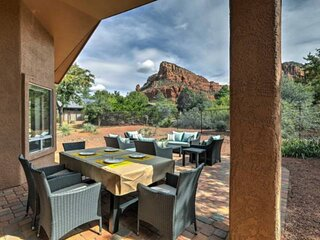 NEW LISTING! Majestic RED ROCK views STAR GAZING hiking CHAPEL OF THE HOLY CROSS