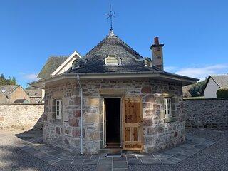 The Hen House, Kiltarlity