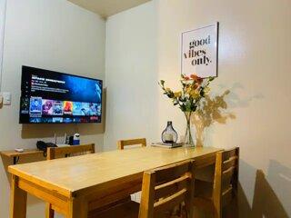 Spacious Guest Suite w/ WiFi + Netflix + AC + Gym