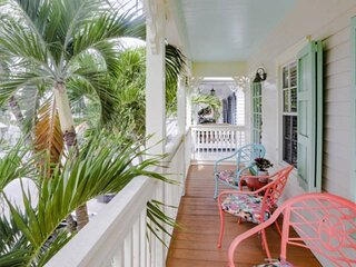 TROPICAL OLD TOWN BUNGALOW - Lovely 2nd Floor Unit, Private Spa, Shared Pool, Ne