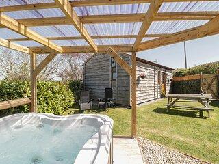 CHERRY LODGE, Open-plan living, Romantic, Washford