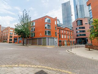 1 Bed+ Sofa Bed Apartment in Manchester City Ctre