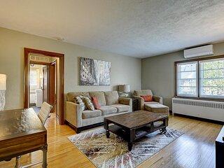 Parkside House - Suite # 2: The Kempenfelt Suite