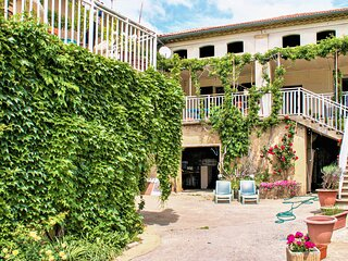 Stunning apartment in Cavillargues with Outdoor swimming pool, WiFi and 2 Bedroo