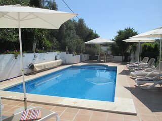 3 Bedroom Accommodation with Private Pool and close to Iznajar